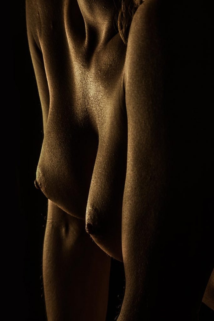 conway-fine-art-nude-bodyscape-gold-sheen